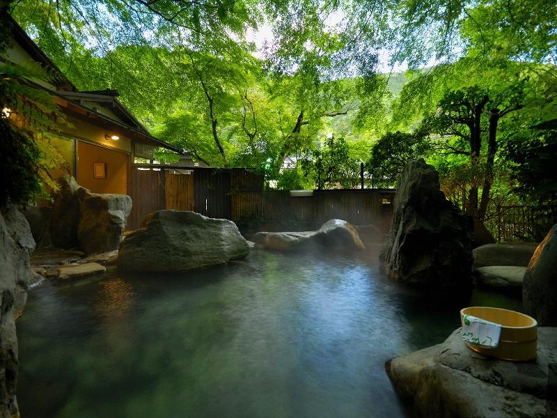 開放感ある仙境野天風呂